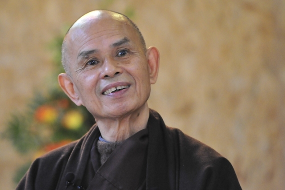 thich-nhat-hanh-smiling