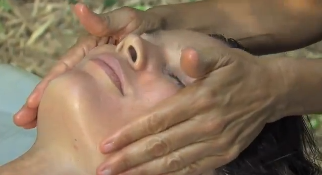 Lomi Lomi Nui Hawaiian Massage