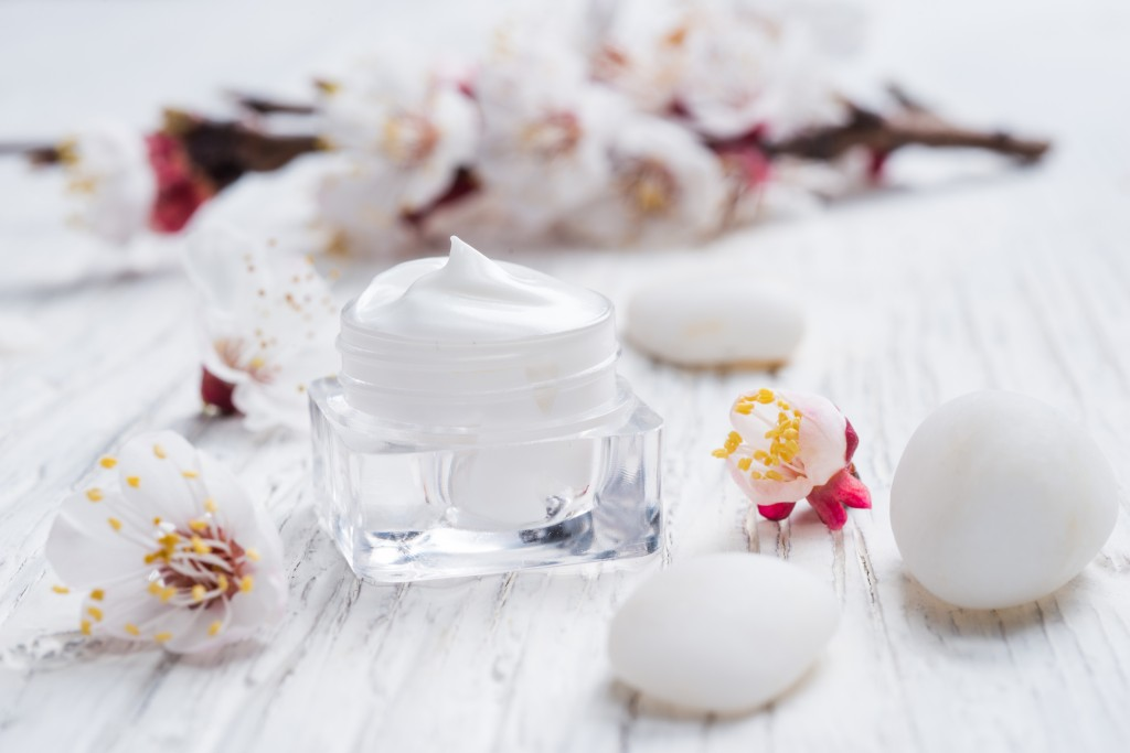 Facial cream with beauty cherry blossoms