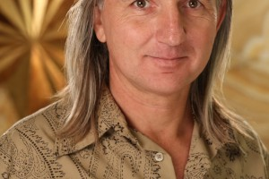 Braco's Embrace: The Gazing Guru